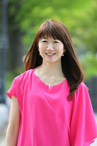 横浜元町・女性のためのヨガスタジオマヒナマインスタジオ主宰・松本智子プロフィール写真