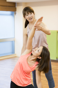 横浜元町・女性のためのヨガスタジオマヒナマインスタジオ・ヨガレッスン風景